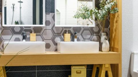 Drewno w łazience - drewniane dodatki do łazienki